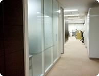 清潔で機能的なオフィス空間